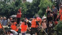 多地持续强降雨 子弟兵全力展开救援