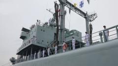 乘风破浪40载 海军鄱阳湖舰在宁波退役