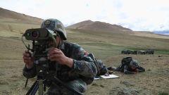 【直击演训场】海拔4600米 西藏军区某合成旅火力突击演练