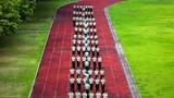 7月10日,武警警官学院训练基地的学兵们踏着整齐的步伐,喊着嘹亮的呼号走进训练场,开始队列训练。据悉,此次培训,实施封闭式管理,严格落实早操、点名等一日生活制度,各项秩序正规有序。学兵们坚持开展呼号评比、队列会操、纠治作风等经常性活动,把纪律意识、标准意识牢牢扎进每名学员心中。