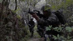 海拔4700米 侦察兵极限条件下密林越障