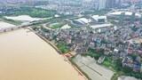 7月11日拍摄的江家岭村昌江圩堤,这个村背后就是鄱阳县城(无人机照片)。新华社记者 周密 摄