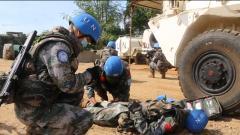 中国第六批赴南苏丹(朱巴)维和步兵营开展救护演练
