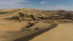 去往中哈14号界碑巡逻  危机四伏的茫茫沙海是他们的必经之路