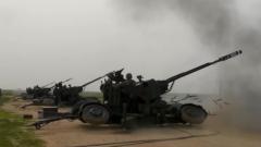 陆军第80集团军某合成旅开展多炮种昼夜实弹射击考核