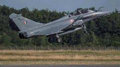 """从法国订购的5架""""阵风""""战斗机抵达印度"""