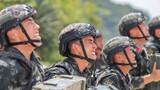 预备特战队员在进行极限体能训练。