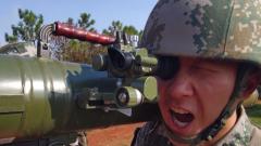 陆军第75集团军某旅开展火力分队实兵实弹演练