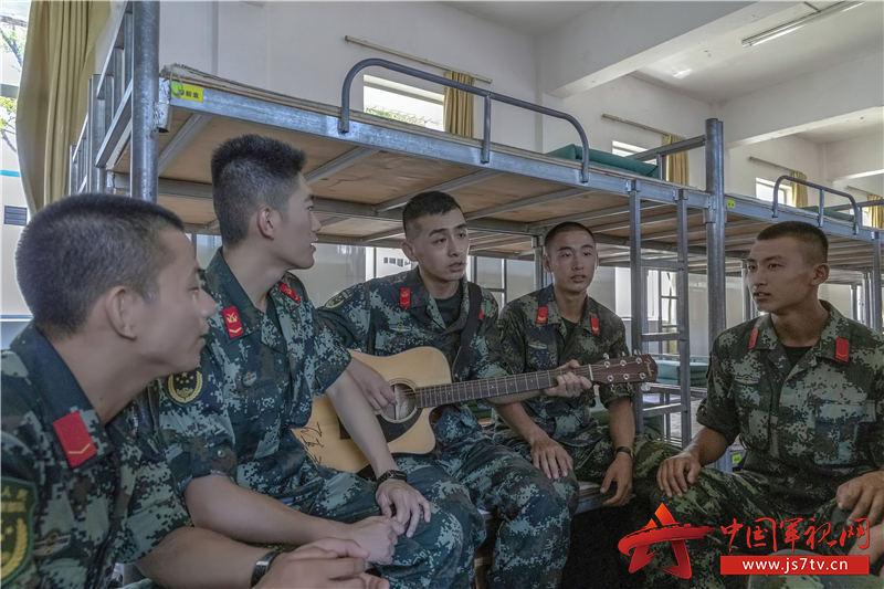 歌声唱到班排去