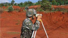 陆军第75集团军某旅开展道路分队战术演练 锤炼过硬专业技能