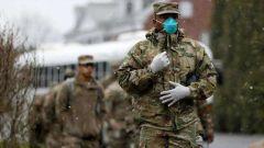 美军不顾感染病例激增 将抗疫救市资金用于军购