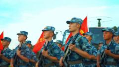 【我的八一】官兵合唱《我爱祖国的蓝天》 大气磅礴唱出军人情怀