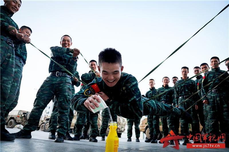 图2:官兵开展心理行为训练
