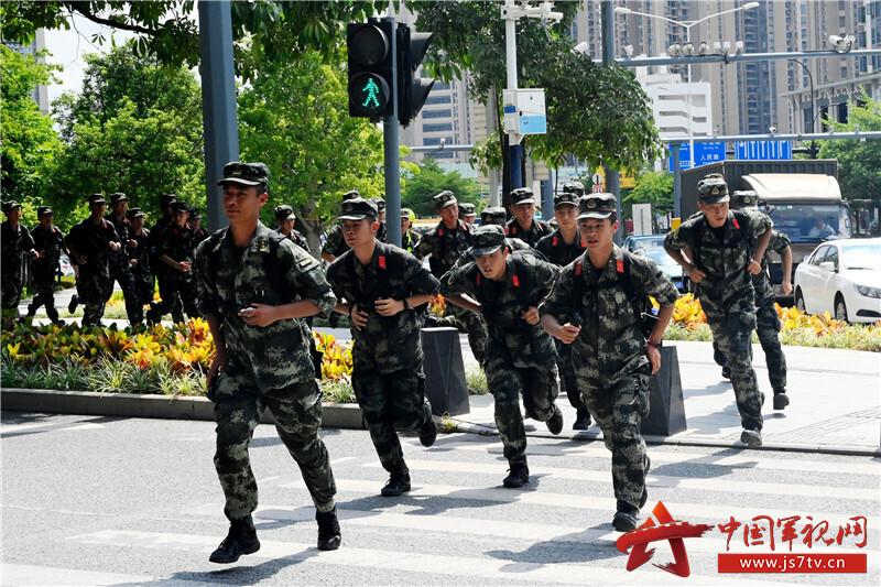 图13-武装奔袭