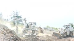 中国赴刚果(金)维和官兵完成废旧营区拆除任务