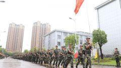 武警蚌埠支队首批300名抗洪官兵凯旋