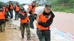 哪有需要就战斗在哪——武警安徽总队黄山支队抗洪抢险记事