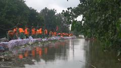 面对台风洪水重重压力 他们接连一个多月坚守抗洪一线