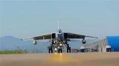 跨昼夜飞行训练 锤炼航空兵全天候作战能力