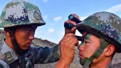 新疆军区某边防团:实兵对抗 检验作战技能