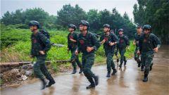 武警贵港支队:特战队员实战对抗 加钢淬火决胜战场