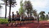 连日来,战略支援部队某部教导大队严密组织新训班长集训,旨在全面锤炼参训人员的综合军事素质和组训施训能力,为提升新兵训练质效打下坚实的基础。