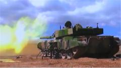 【直击演训场 探秘新式武器装备】  千里机动 展开多种新型武器装备高原试验