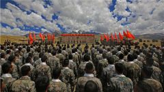 """挥别""""战场"""" 再启新程!西藏军区某合成旅举行2020年度秋季军人退役仪式"""
