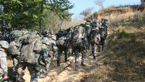 滇西高原:山地红蓝对抗 检验合成营综合作战能力