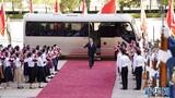 """9月8日上午,""""共和國勛章""""獲得者鐘南山抵達人民大會堂。 9月8日上午,全國抗擊新冠肺炎疫情表彰大會在北京人民大會堂隆重舉行。 新華社記者 殷博古 攝"""