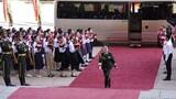 """9月8日上午,""""人民英雄""""國家榮譽稱號獲得者陳薇抵達人民大會堂。 9月8日上午,全國抗擊新冠肺炎疫情表彰大會在北京人民大會堂隆重舉行。 新華社記者 殷博古 攝"""