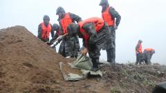 """吉林延边:台风""""海神""""过境 驻军部队紧急排险"""