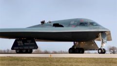 B-1B和B-2齐出动!美战略轰炸机在澳北部练空袭