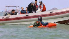 【直击演训场】海军航空大学:空中战勤学员海上跳伞救生训练