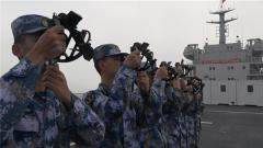 海军军医大学200余名学员进行海上实习训练