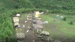 真打实练 这场合成营红蓝山地对抗演练全面检验体系作战能力