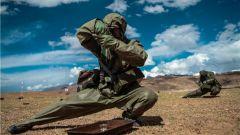 """锻造""""降魔神兵""""!陆军第77集团军某旅开展实战化侦毒考核"""