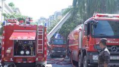 桂林联勤保障中心某汽车团官兵协助地方紧急处置工厂火灾