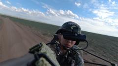 高難移動射擊考核 這個導彈女兵有點帥