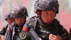 武警新疆總隊阿克蘇支隊開展樓房反劫持演練
