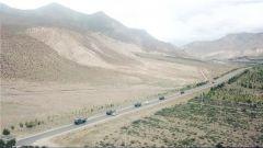 行驶在平均海拔4300米的高原路 这支运输部队不简单