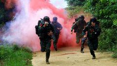 广西崇左:特战队员极限训练磨砺反恐尖兵
