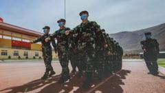 【新兵入營 走好軍旅人生第一步 】女兵進藏 循序漸進適應高原