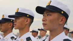 海軍嵩山艦為新艦員舉行上艦儀式