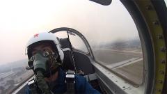 跨代突破!首批初教機直上某新型高教機飛行學員開飛