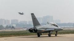 少年壯志!空軍跨代飛行學員首飛