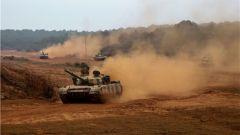 陆军第75集团军某合成旅:全要素对抗演练 锤炼多兵种协同作战能力