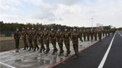 """助力新兵走好军旅""""第一步""""!新疆军区某团举办开训动员大会"""