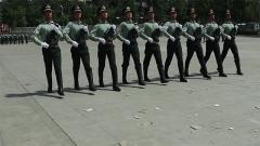 紅場上路面坑洼 閱兵中步伐差異 如何走出中國儀仗兵的氣勢?