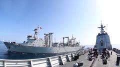 海軍第三十六批護航編隊組織海上綜合補給